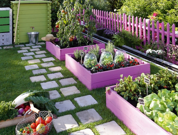 10 Most Beautiful DIY Garden Planter Ideas8